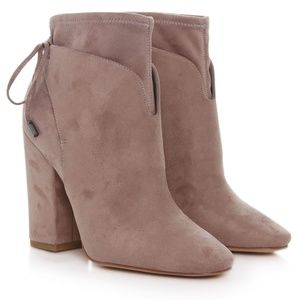 LIKE NEW WITH BOX! Kendall & Kylie Zola Bootie